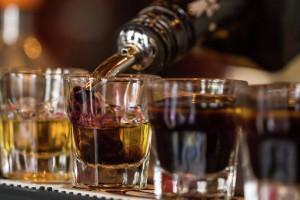 Роспотребнадзор выступил против снятия ограничений рекламы алкоголя