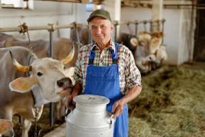 После 13 лет работы Артемьев заметил молочную мафию