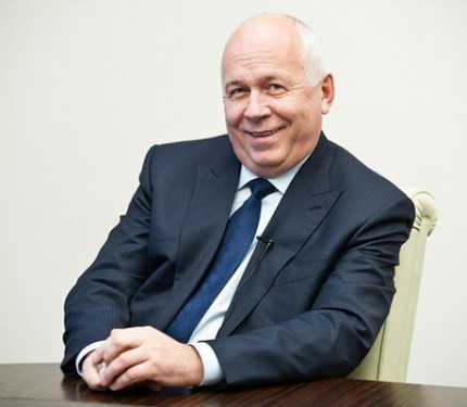 Главный госмонополист поздравил с Днем Рождения главного антимонополиста