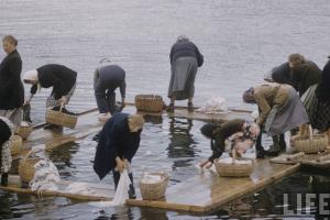В Великом Устюге выделили 200 тысяч рублей на полоскалки для стирки белья на реке