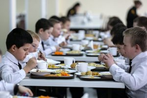 ФАС обвинила в картеле школьного питания в Калуге всех участников рынка, кроме связанных с властями ИП: дело устояло в Верховном Суде