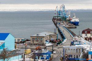 Кассация подтвердила решение ФАС против корсаковского торгового порта за пропуск «своих» автомобилей без досмотра